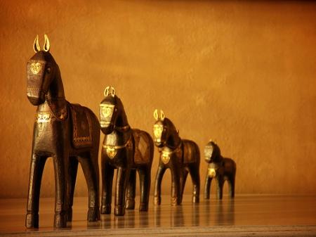 horses_golden.jpg